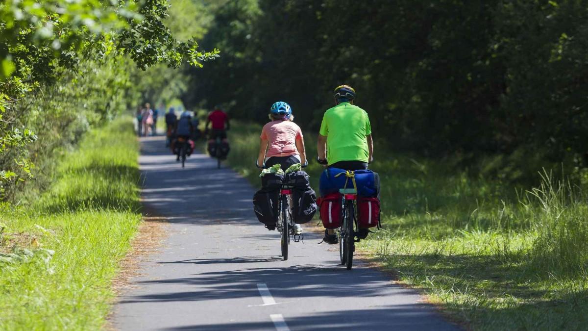 velo-pistes-cyclables-grands-lacs-2343925