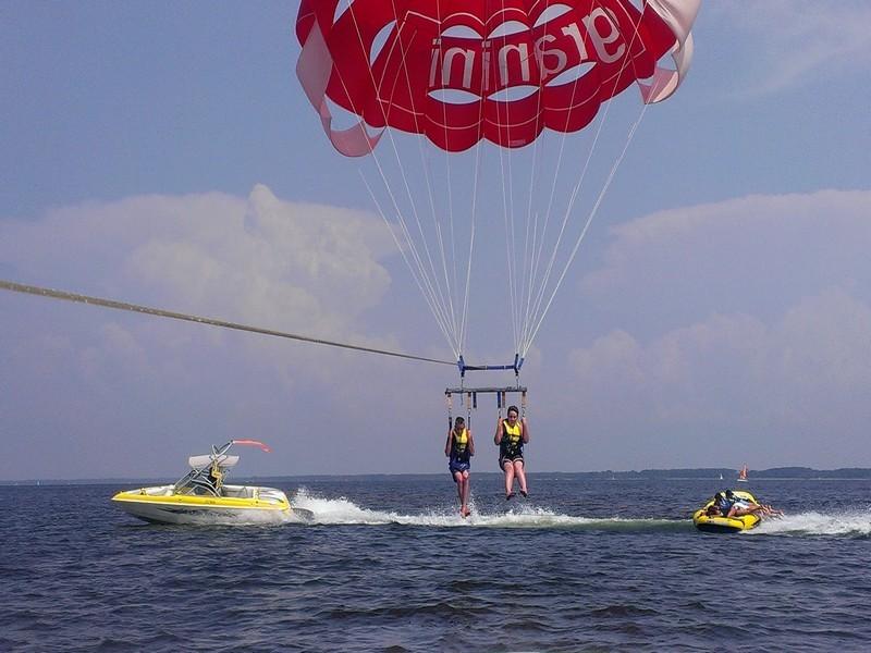 bouees-et-parachute-3-659275