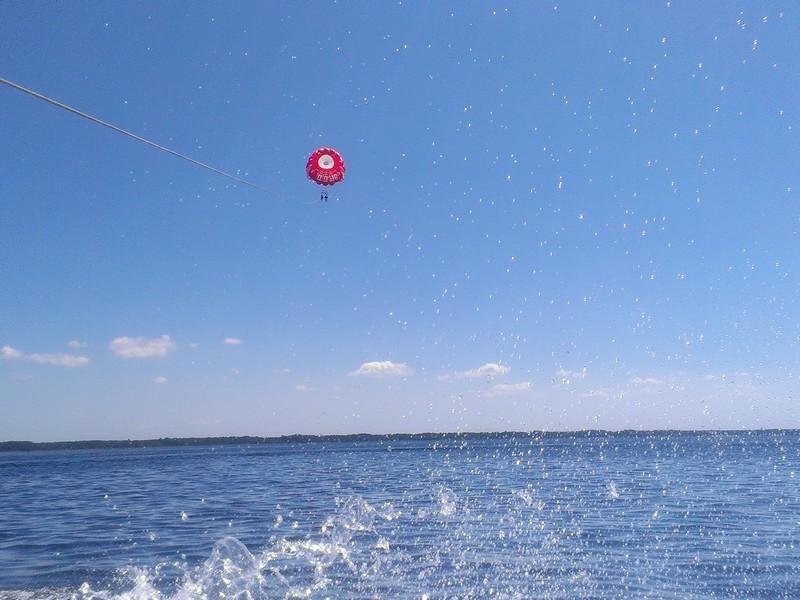 parachute-3-659282