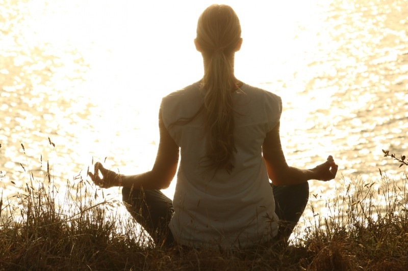 person-sunset-sunlight-morning-love-tranquil-1175713-pxhere.com