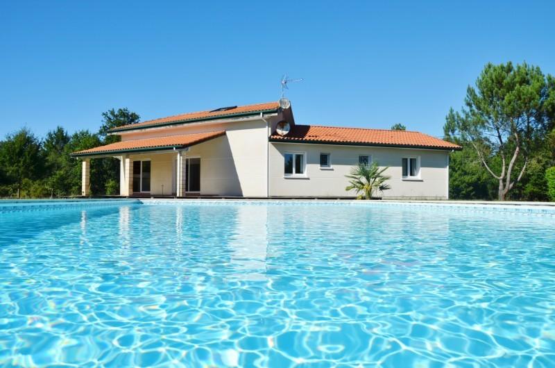 piscine-maison-bisca-2393819
