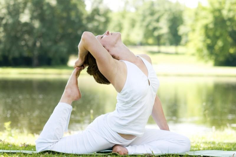 yoga-6128117-1920-2528081
